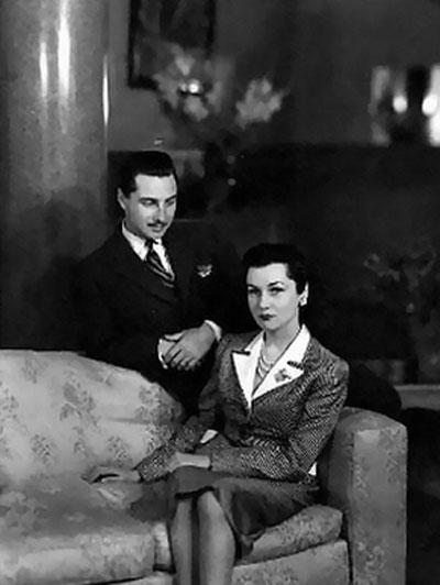 اولین زن محمدرضا پهلوی در کنار همسر دومش