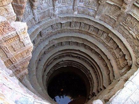 آب انبار, Rani Ki Vav , بزرگترین آب انبار جهان, مکانهای دیدنی هند, مکانهای تاریخی هند, جاذبههای هند,دیدنی های هند , رانی کی واو , رانیکیواو