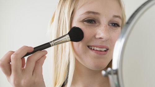 ارائه راه آسان و سریع برای تغییر سبک آرایش و چهره آرایش چهره, تغییر شکل آرایش,تغییر سبک و آرایش چهره,مدل آرایش صورت,سبک آرایش ابروها,رژ گونه های حجم دهنده