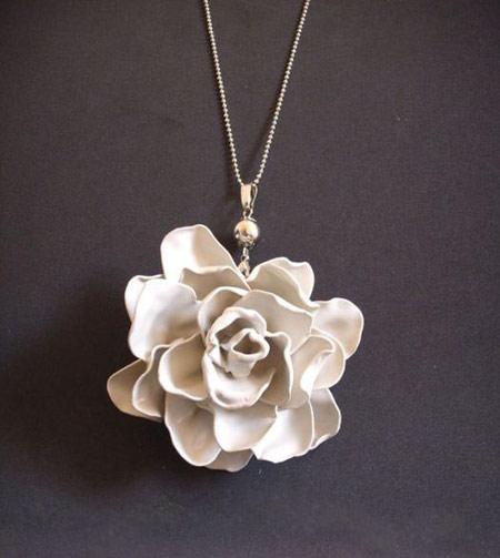 آموزش ساخت گل با قاشق یکبار مصرف , گلسازی با قاشق یکبار مصرف ,هنر بازیافت ,گلسازی , آموزش ساخت گردنبند