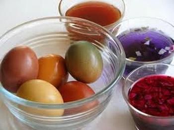 رنگ کردن تخم مرغ با رنگ های طبیعی