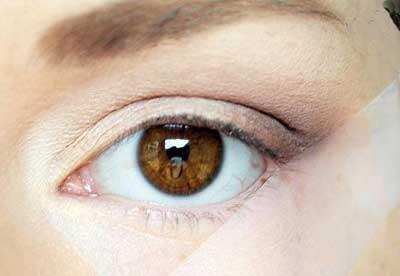آموزش زیبایی, آرایش چشم, درشت جلوه کردن چشمها, کشیدن خط چشم, انواع خط چشمها, عوارض انواع خط چشمها, لوازم آرایش چشمی, ویژگیهای انواع خط چشمها
