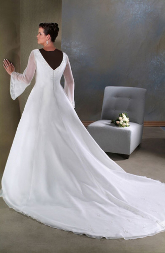 Hotnaz com   b654b5980eb34140e1501f5c5e7f47f8 مدل های مختلف لباس عروس و یقه لباس عروس