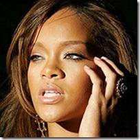 Rihanna Makeup thumb عکس ستاره های زن مشهور هالیوود بدون آرایش