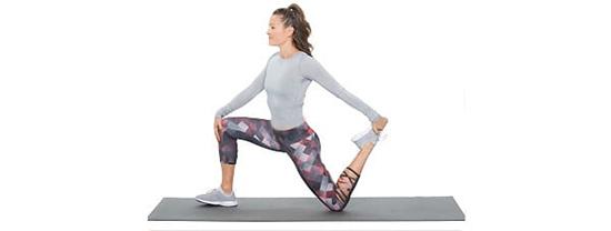 حرکت کشش عضله خم کننده زانو زده