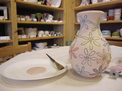 آموزش تصویری نقاشی روی سفال - تزیین ظروف سفالی ساده
