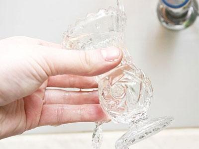 نحوه - روش - تکنیک - تمیز کردن کریستال - بهترین روش تمیز کردن ظروف کریستال