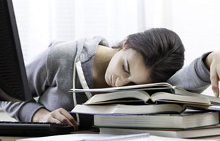 خستگی, علل خستگی دائمی, راههای کاهش خستگی, علل ضعف و بی حالی, خسته بودن, احساس خستگی