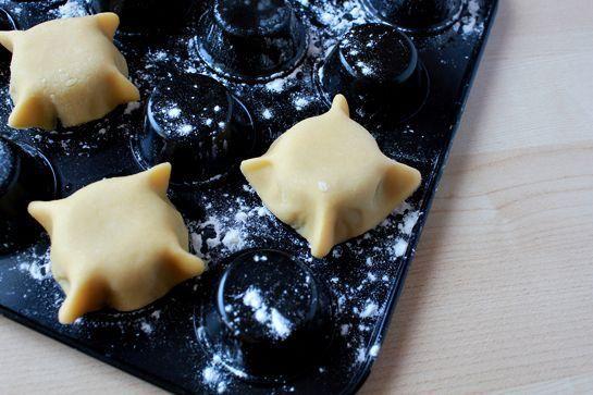 طرز تهیه کاسه شیرینی با خمیر - کاسه خمیری  - ظرف خوردنی
