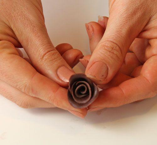 طرز تهیه گل رز شکلاتی
