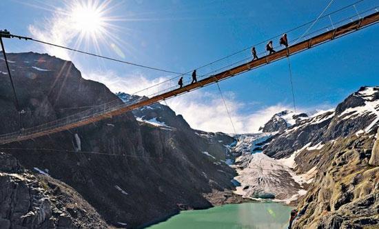 دیدنیترین پلهای پیادهرو جهان +(تصاویر)