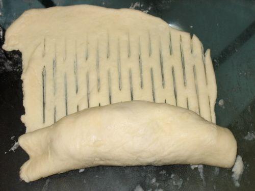 طرز تهیه پیراشکی مرغ - طرز پیچیدن خمیر پیراشکی