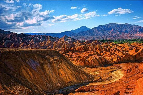 گردشگران ایرانی زیبایی شهر جانگ یه را از دست ندهید