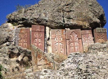 صومعه گغارد در ارمنستان,اولین کلیسای غاری دنیا ,تصاویر,عکس, دیدنی های ارمنستان, مکانهای تاریخی ارمنستان
