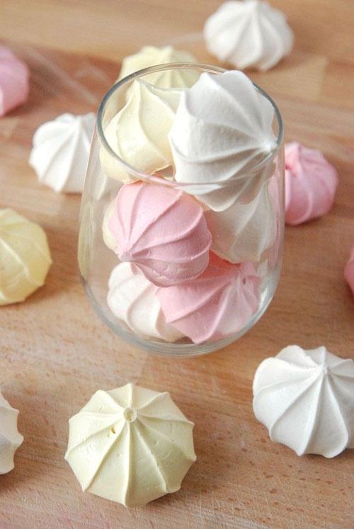 شیرینی نوروزی - شیرینی عید - شیرنی مرنگ - شیرینی پفکی