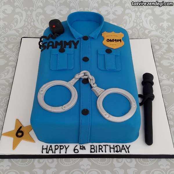 کیک تولد پسرانه به شکل لباس پلیس