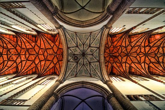 کلیسای سنت باووکرک - زیباترین سقف های جهان - معماری