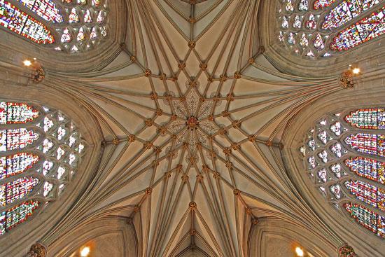 کلیسای ولز - زیباترین سقف های جهان - معماری