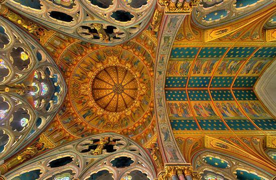 کلیسای مریم مقدس - زیباترین سقف های جهان - معماری
