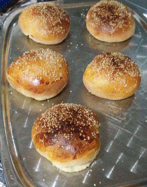 طرز تهیه نان همبرگر کنجدی