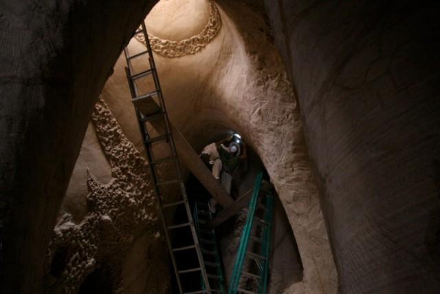 تصاویر دیدنی عکس و کلیپ  , غار دست ساز زیبا حاصل ده سال تلاش