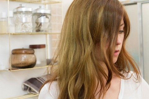 سبز رنگ شدن موها در استخر - تغییر رنگ مو در استخر