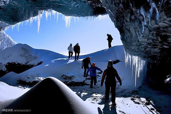 تصاویری خارق العاده از شبکه غارهای یخی در زیر یخچال طبیعی واتناجوکول