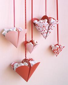 ساخت آویز قلبی شکل - اوریگامی - تا کردن کاغذ- ساخت آویز تزیینی - کاردستی با کاغذ رنگی