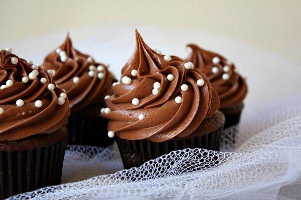 باتر کرم (کریم) شکلاتی فوری و بدون پخت(مناسب تزیین کیک و کاپ کیک)