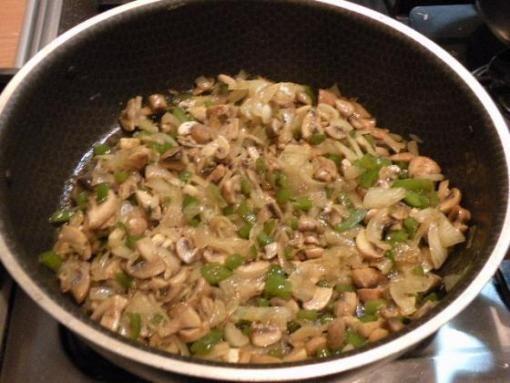 طرز تهیه کوکوی سبزیجات - طرز پخت پن کیک سبزیجات