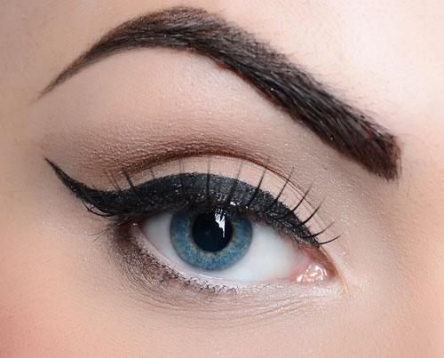 ابروهای پرپشت پهن و زیبا - درمان ریزش موی ابرو