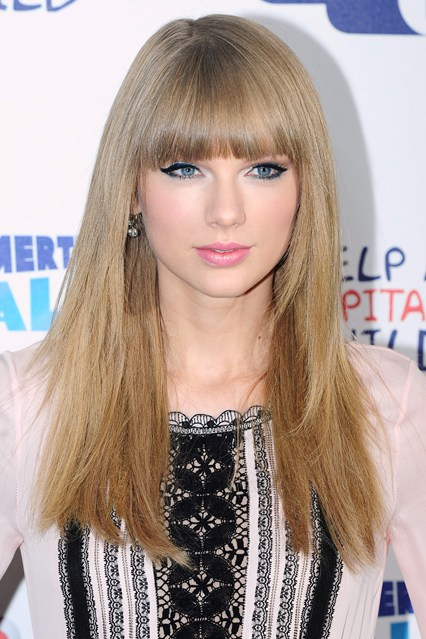 Taylor-Swift-07_glamour_23jan14_pa_b_426x639
