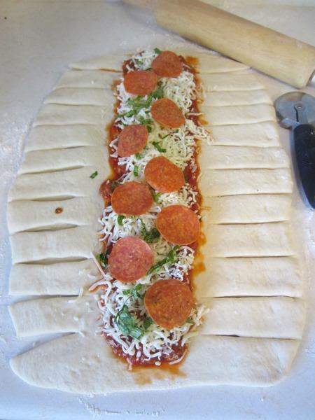 فست فود  , طرز تهیه پیتزا بافته شده