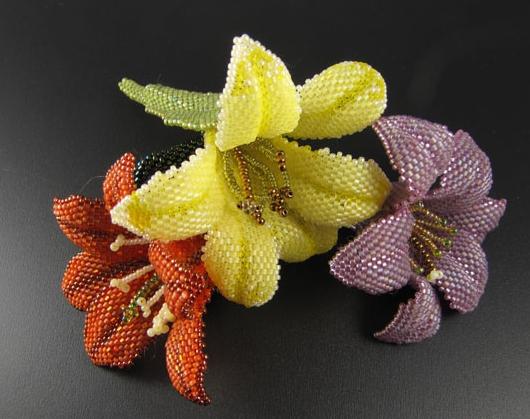 گل های زیبای بافته شده با منجوق و مهره