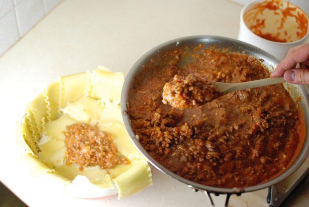 دستور پخت غذا  , طرز تهیه لازانیا قالبی (تیمپانو)