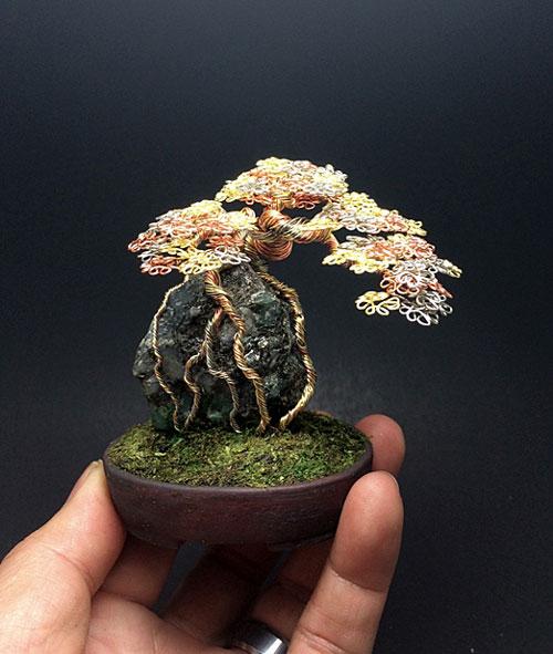 درختچه های مینیاتوری ساخته شده از سیم های رنگی