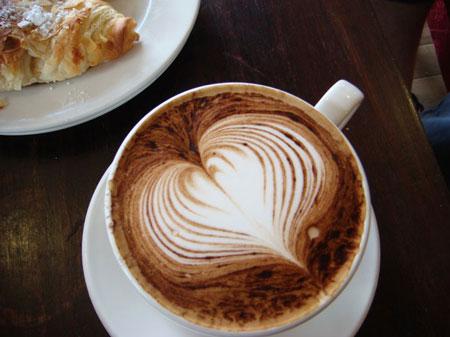 تزیین قهوه با کف شیر به شکل قلب , طرز تهیه کف شیر, تزیین قهوه با خامه