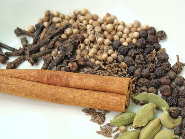 طرز تهیه انواع ادویه مخلوط