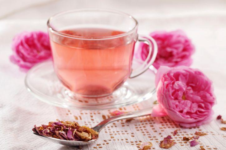 نوشیدنی ها  , طرز تهیه دمنوش گل سرخ (رزچای)