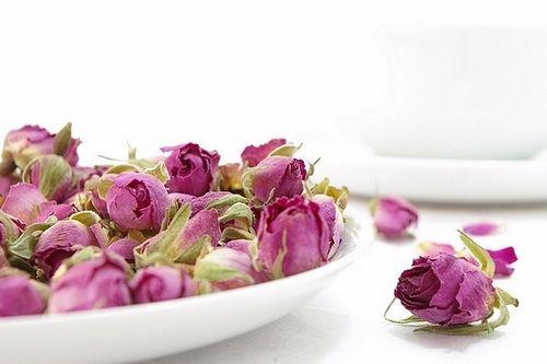 طرز تهیه دمنوش گل سرخ - رز چای