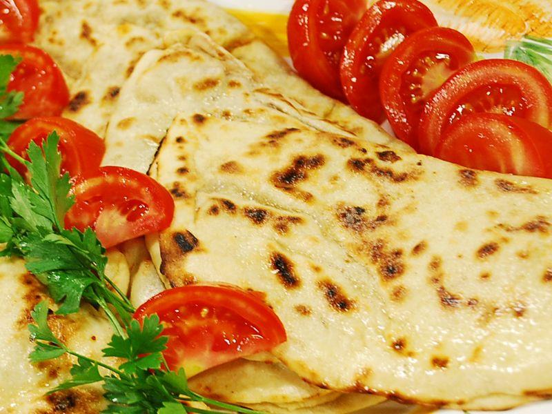 طرز تهیه انواع گزلمه غذای ترکیه ای gözleme