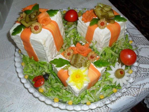 آشپزی آسان انواع غذاها  , تزیین کیک مرغ و سالاد الویه