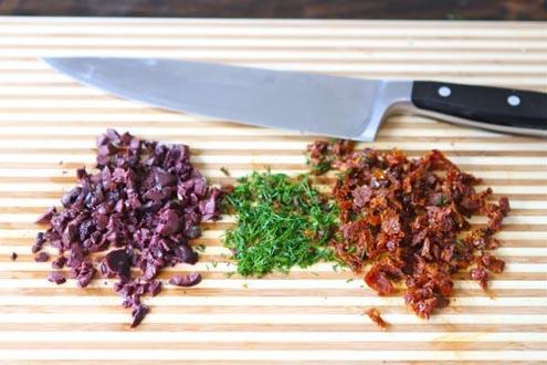دستور پخت غذا  , طرز تهیه رول پنیر و خیار و گوجه و زیتون