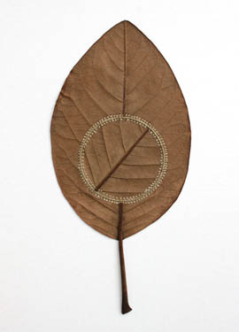 crocheted-leaf-art-susanna-bauer-15