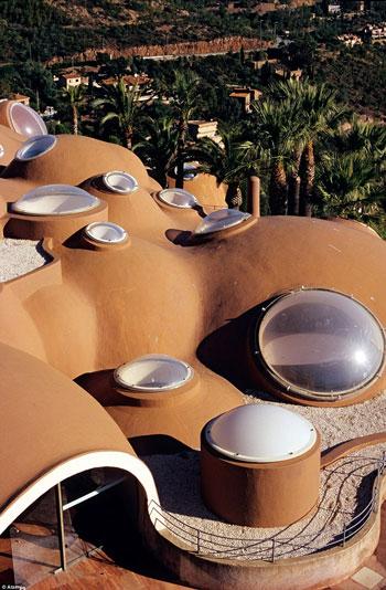 جاذبه های سایر کشورها گردشگری  , قصر حباب ها هتلی زیبا در فرانسه