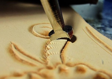 ابزار حکاکی روی چرم - قلم زنی چرم