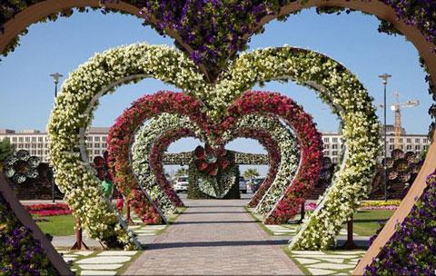 جاذبه های سایر کشورها گردشگری  , باغ معجزه دبی بزرگترین باغ گل جهان