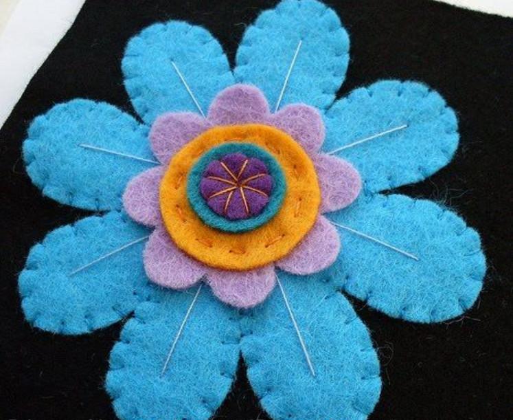 آموزش ساخت رومیزی نمدی بسیار زیبا به شکل گل