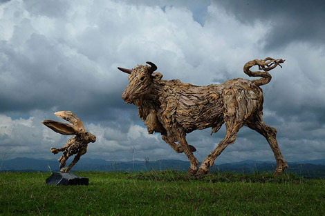 driftwood-animal-sculptures-jame-doran-webb-5