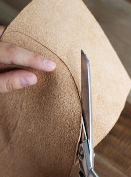 آموزش تصویری ساخت آفتاب گیر چرمی - آموزش چرم دوزی - کار با چرم